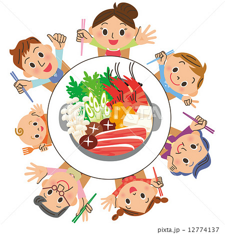 家族で鍋を食べる 12774137