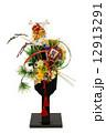 正月飾り 羽子板飾り 年賀状素材の写真 12913291