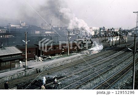 蒸気機関車の牽引する客車列車 九州筑豊本線 昭和43年 12955296