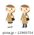 トレンチコート 女性 コートのイラスト 12960754