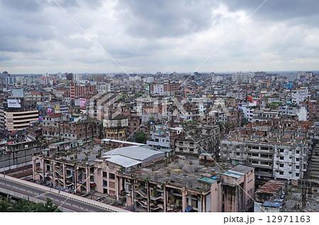ダッカ・バングラデシュの街並み 12971163