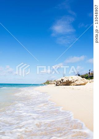 沖縄のビーチ・天浜・てぃんぬはま 13048907
