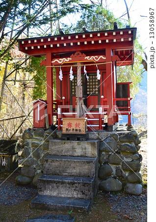 熊ノ平神社の拝殿(群馬県安中市松井田町) 13058967