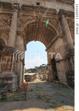 写真素材: セプティミウス・セウェルスの凱旋門(ローマ)