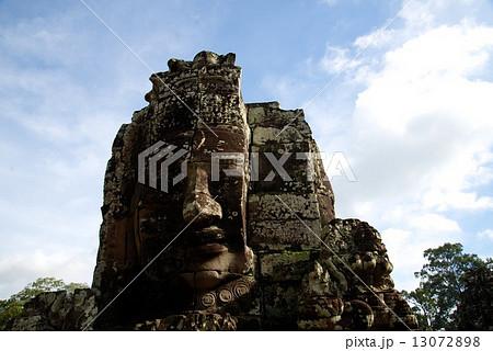 カンボジア アンコールワット 13072898