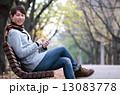 スマートフォン 男性 笑顔の写真 13083778