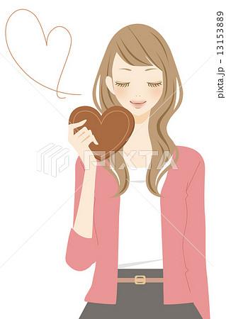 ハート型のチョコを持った女性 笑顔 13153889