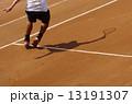 クレーコートでのテニス 13191307