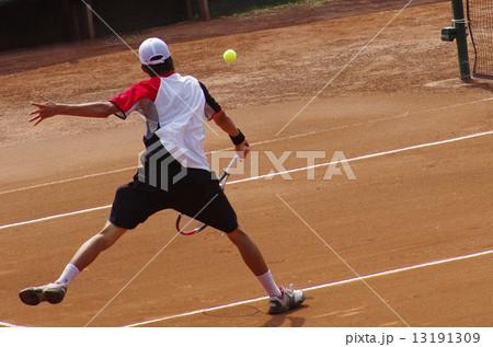クレーコートでのテニス 13191309