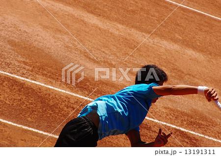 クレーコートでのテニス 13191311
