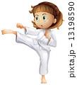 空手 女の子 少女のイラスト 13198590