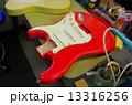 ギターの修理-電気パーツへのアクセス 13316256