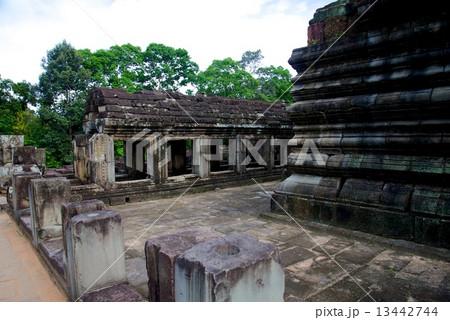 カンボジア アンコールワット 13442744