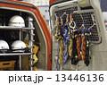 東京消防庁_山岳救助隊 山岳救助車_車内後部(右) 13446136