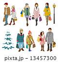 買い物客 冬 若者,カップル 13457300