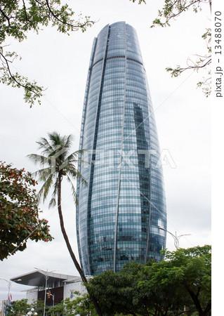 ダナンの高層ビル  雨上がりのリバーサイドから 13488070