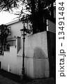 モノクロ作品 神戸異人館通りのレトロな街灯 5 13491484