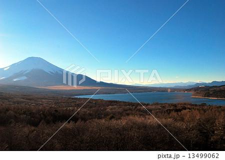 山中湖と冨士山 13499062