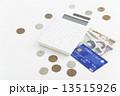 クレジットと電卓とお金 13515926