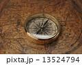 古地図と方位磁石 13524794