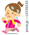 ダイエットで走る女性 13556530