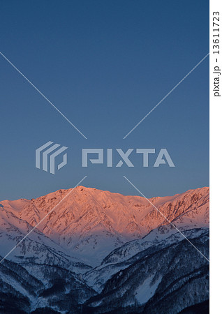 信州北アルプス冬白馬岳朝焼けイメージ 13611723