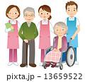高齢者と介護士 シニア 13659522