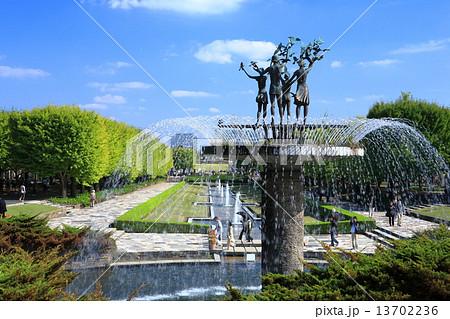 昭和記念公園の噴水 13702236