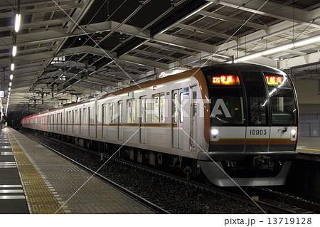 東京メトロ有楽町線10000系 13719128