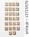 スクラブル アルファベット 木製の写真 13725070