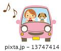 ドライブ 愛犬 ベクターのイラスト 13747414