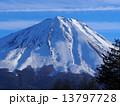 冬山 山 富士山の写真 13797728