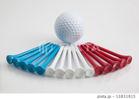 The colorful wooden golf teesの写真素材 [13831915] - PIXTA