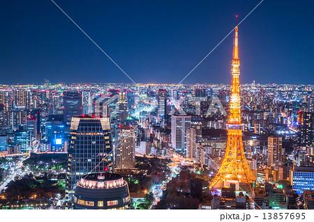 東京・オフィス街の夜景 13857695