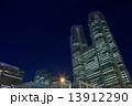 ビル 夜景 高層ビルの写真 13912290