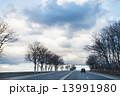 グレー 灰白 運転の写真 13991980