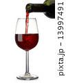 注ぐ 赤ワイン ワインの写真 13997491