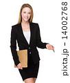 ビジネスウーマン 女性 ペンの写真 14002768