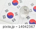 韓国国旗と地球 14042367