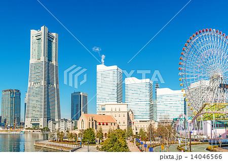 横浜みなとみらい21の風景(横浜市中区、ワールドポーターズ付近より) 14046566