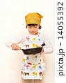 料理をする女の子 14055392