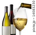 白ワイン 注ぐ アルコール飲料の写真 14083230