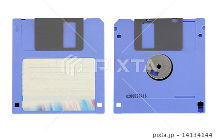 Old diskette on white backgroundの写真素材 [14134144] - PIXTA