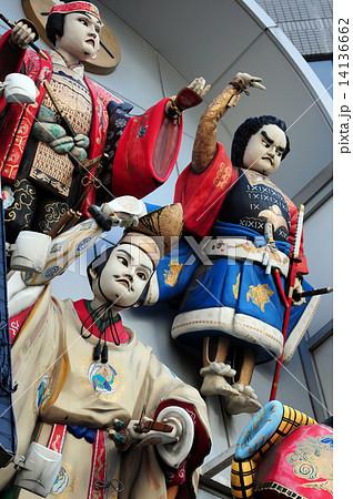 天神橋商店街アーケードのお迎え人形 14136662