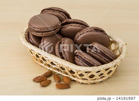 Chocolate macaroonsの写真素材 [14191997] - PIXTA