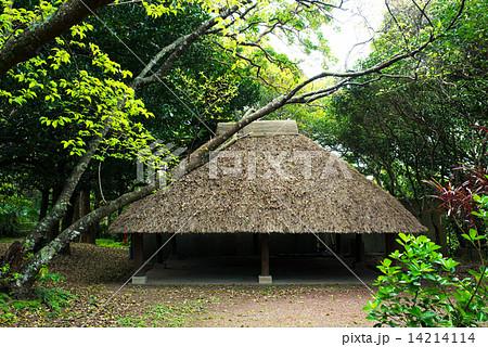 沖縄の風景・比地の神アシャギの...