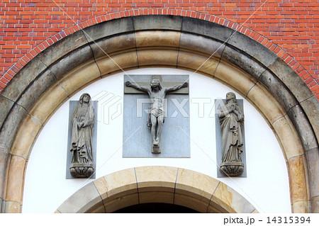 浦上天主堂  入口のキリスト像 14315394