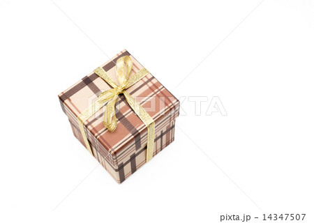 brown gift box with bow on white backgroundの写真素材 [14347507] - PIXTA