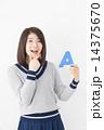 アルファベット 人物 女性の写真 14375670