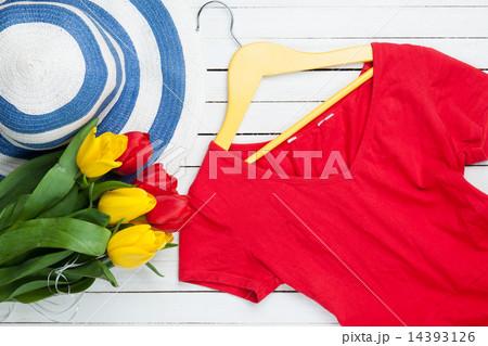 Bouquet of tulips and dressの写真素材 [14393126] - PIXTA